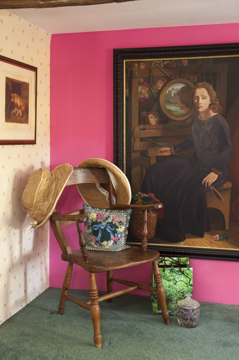 The large painting in the master bedroom is a depiction of Eve's favourite poem, 'The Lady of Shalott', by Alfred, Lord Tennyson