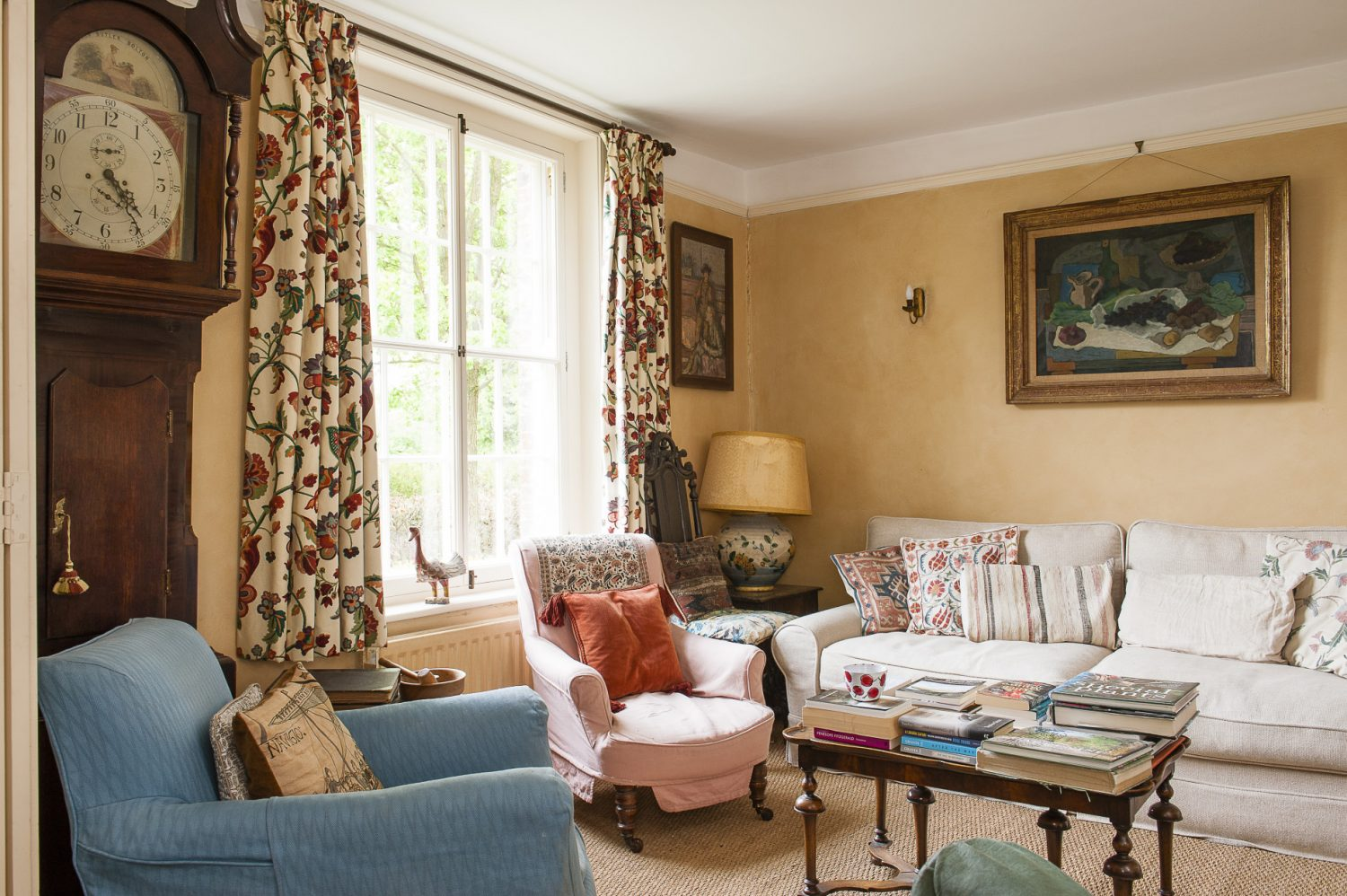 Vanessa's father liked to sit and read during his visits to Sissinghurst