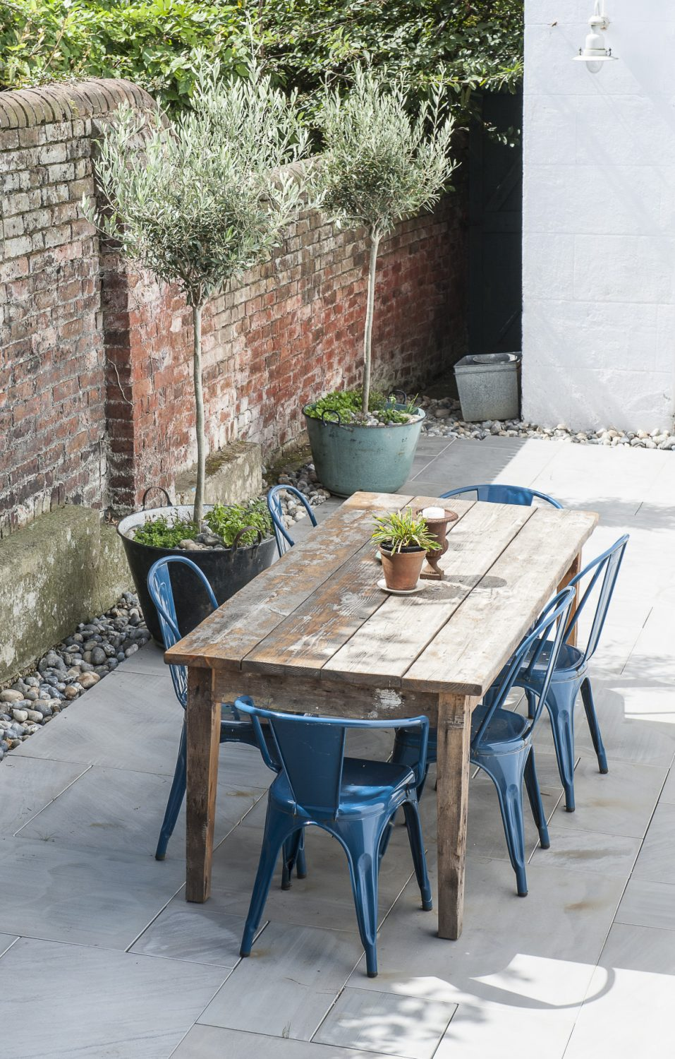 Annette has created a lovely entertaining space in the garden