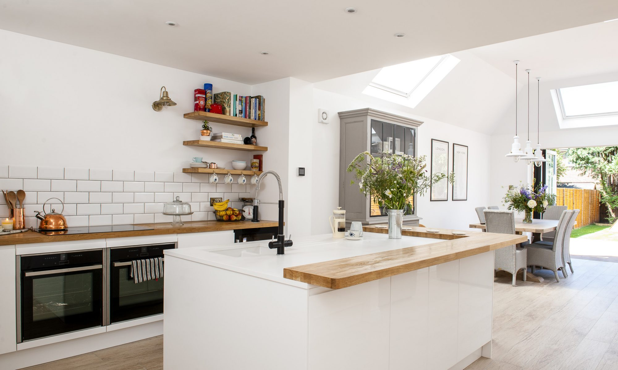 Inspiration light and bright kitchens priceless magazines Bright kitchen