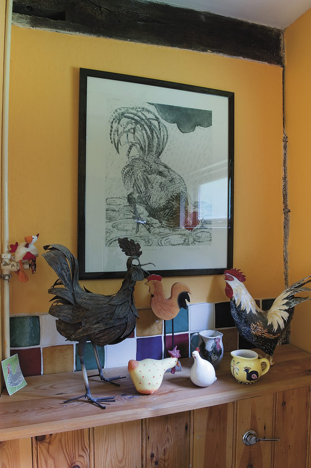 design happens. One chicken turned to two, then to three. The downstairs cloakroom is now known as the 'chicken loo'!