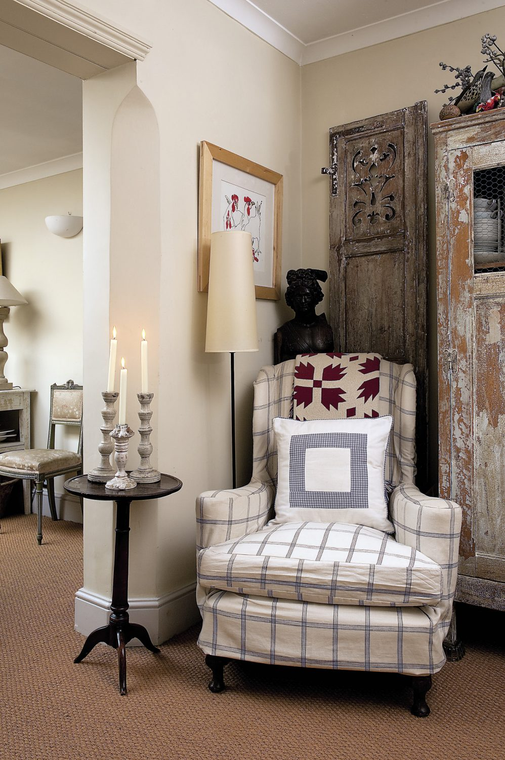 At the other end of the dining area stands a small 18th century table: the first piece James bought when leaving college