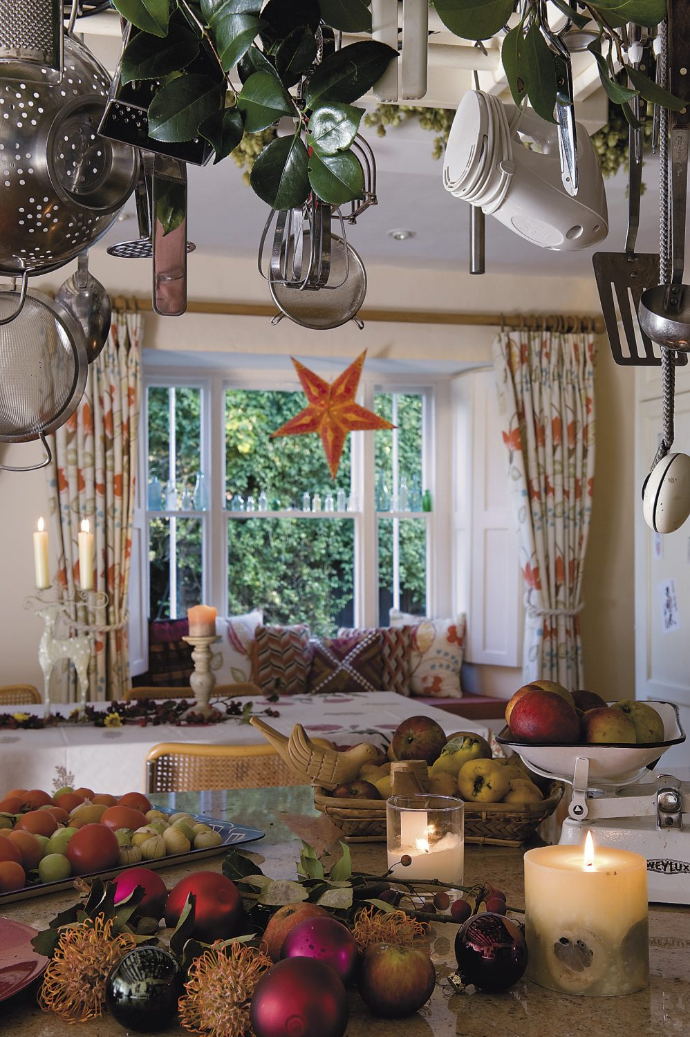 stars like the one in this bay window in the kitchen are a regular sight in India over Christmas