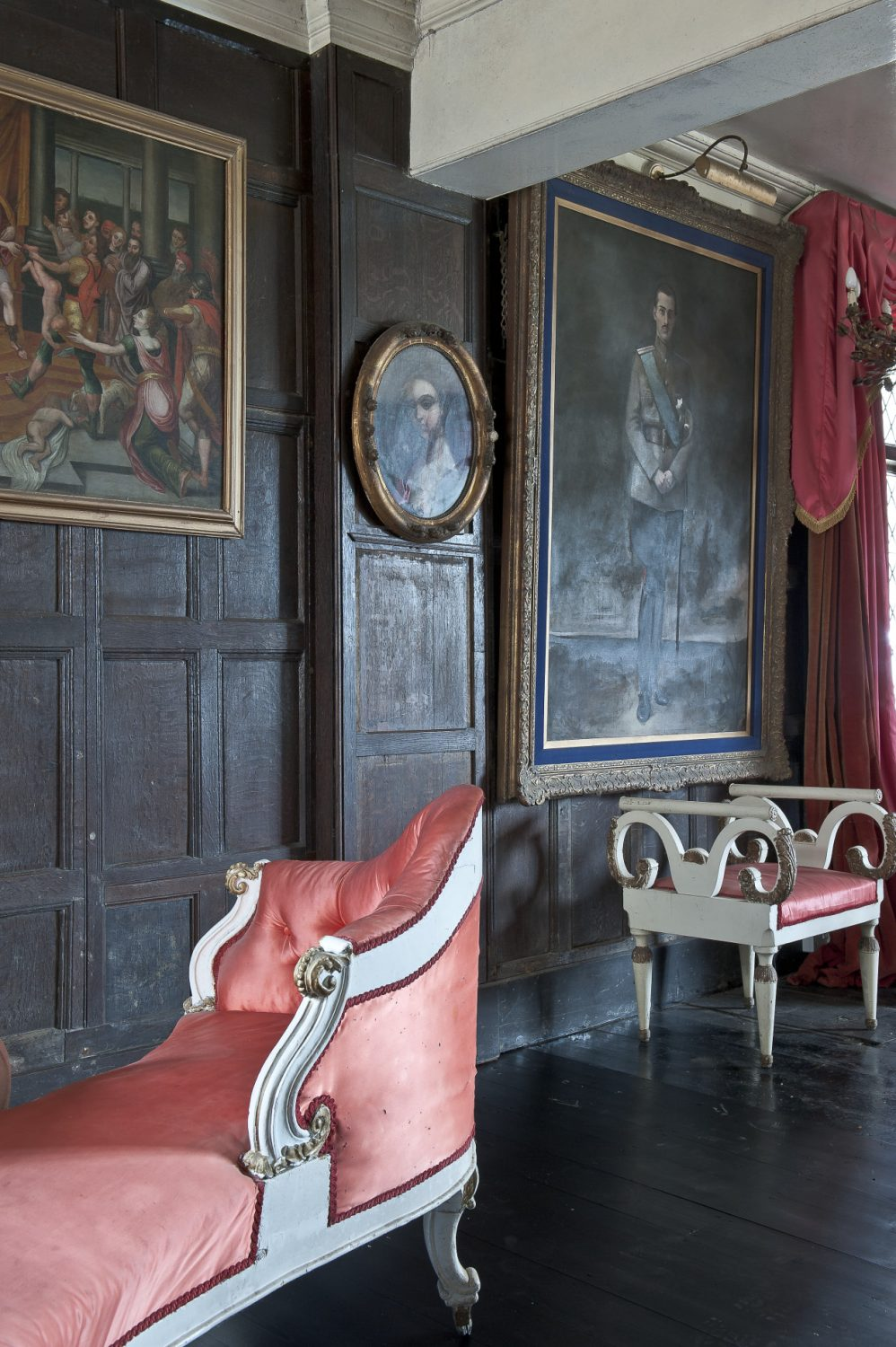 Olga has now reached the stage where she can concentrate on the decoration of the major rooms of the house which are open to paying guests from May to October