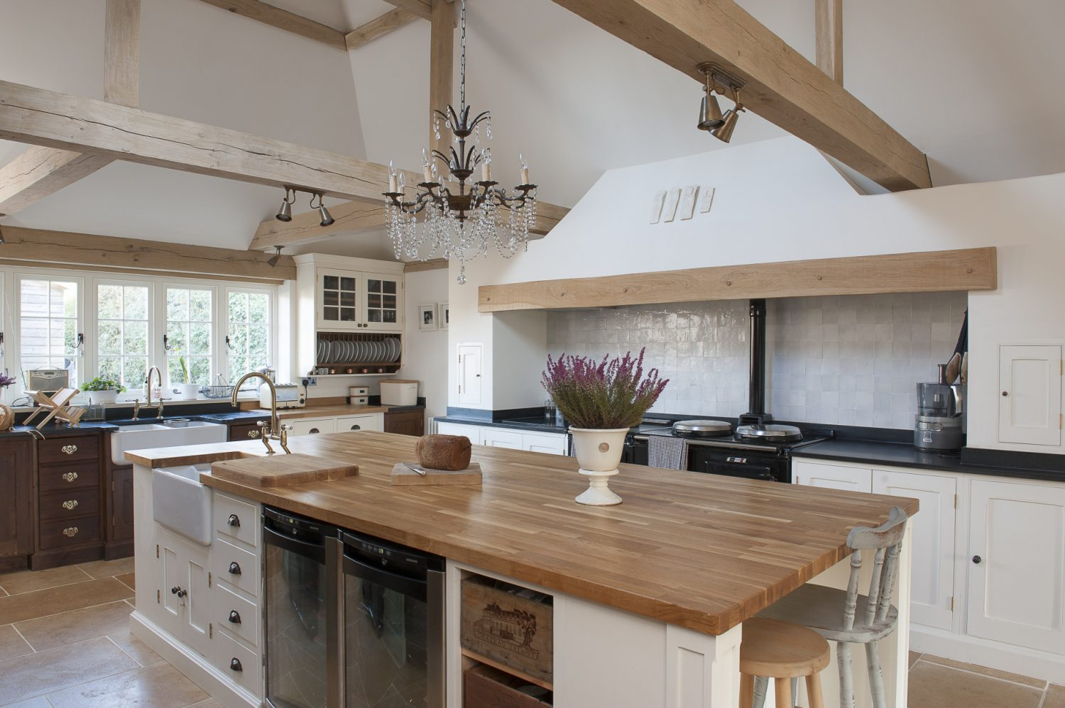 Quercus Construction then built the Shaker units and the huge block oak-topped central island