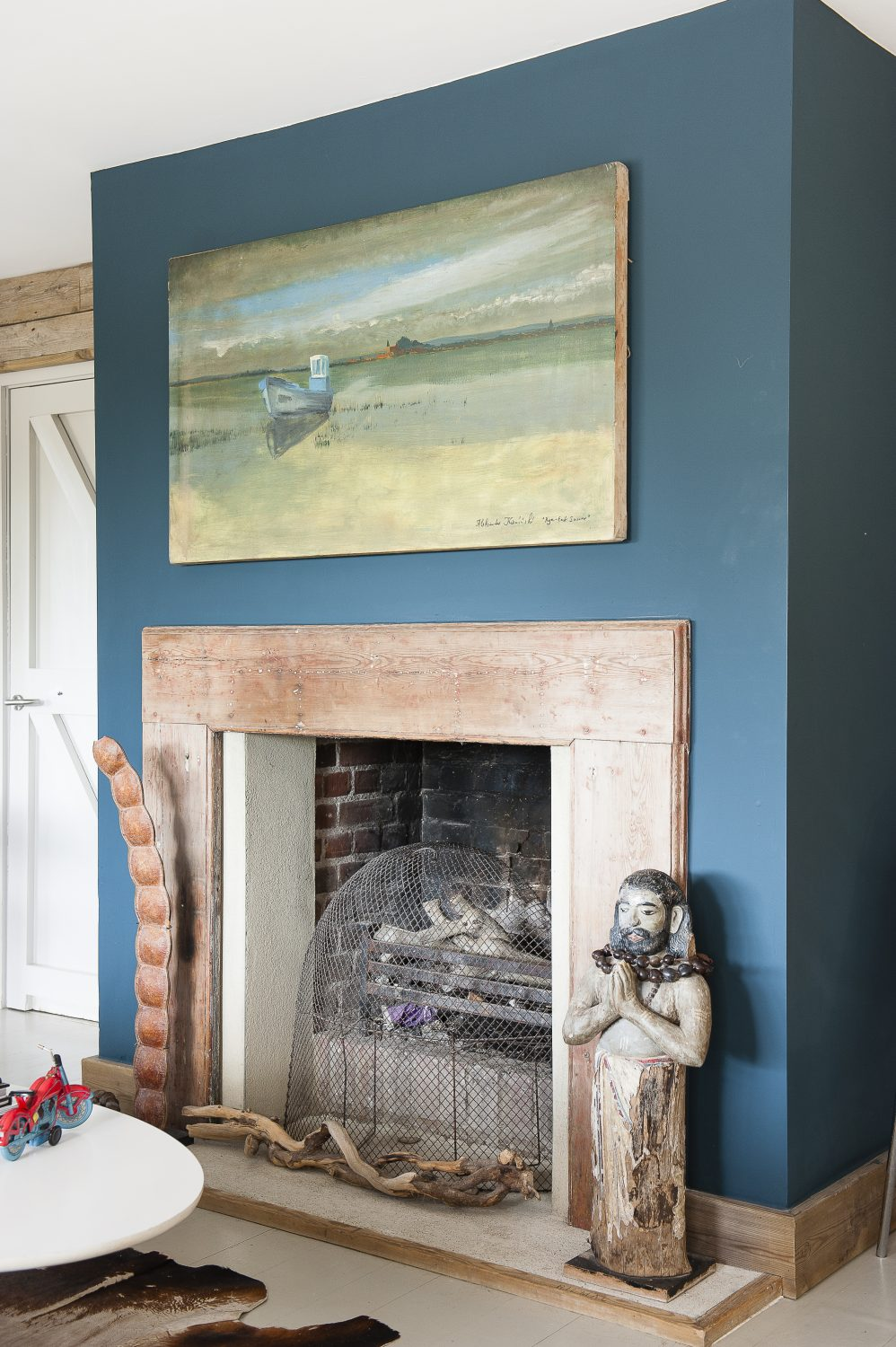 The fireplace in the sitting room