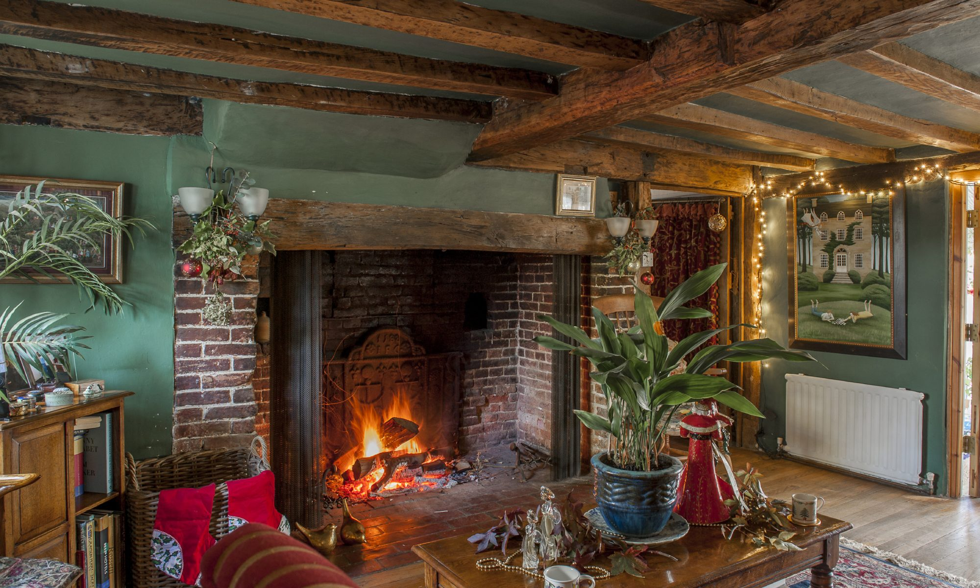 Jennifer Stuart-Smith relishes the snugness of the perfect Christmas house
