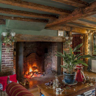 Jennifer Stuart-Smith relishes the snugness of the perfect Christmas house