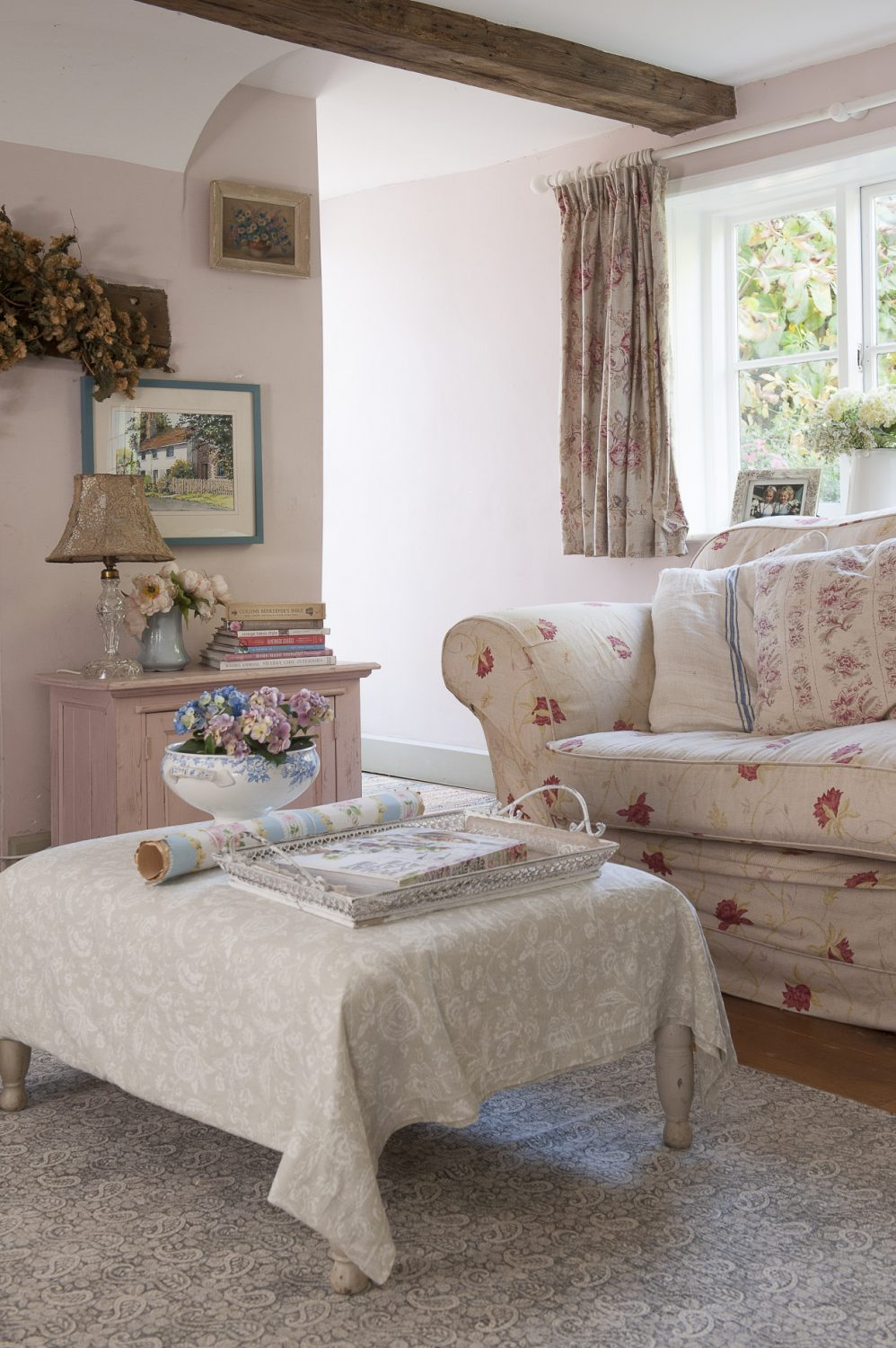 Light-coloured homeware and furnishings help to make the most of the natural light