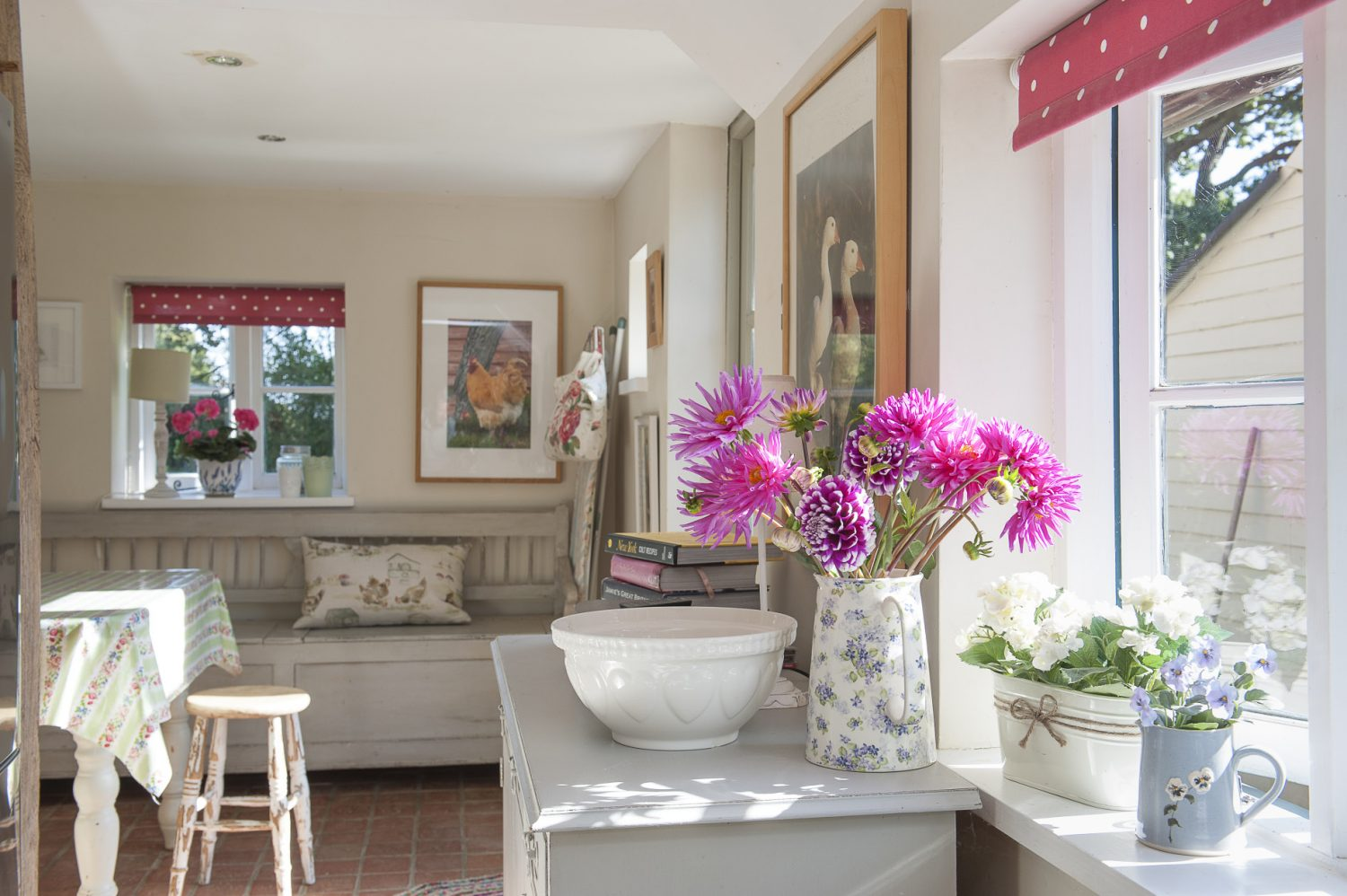 A cosy seating area next to the kitchen catches the morning sun and is the perfect spot for breakfast