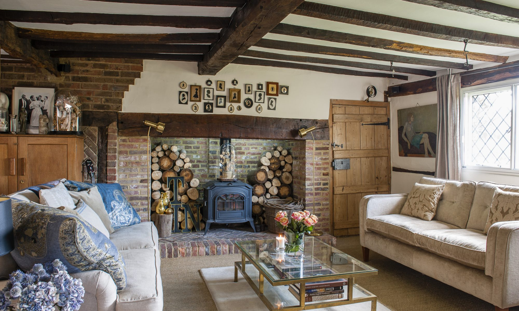 When creative London couple Roni and John decided to relocate to the country, they initially set their sights on a Kentish Georgian property. But once they'd happened upon a pretty 17th century cottage they knew they had found what they had ultimately been looking for...