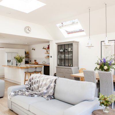 After several sunny years downunder Jenna and Andrew didn't want to leave the light and airy mood they loved in Australian houses behind when they moved back to the UK – so they re-created it in Hersham