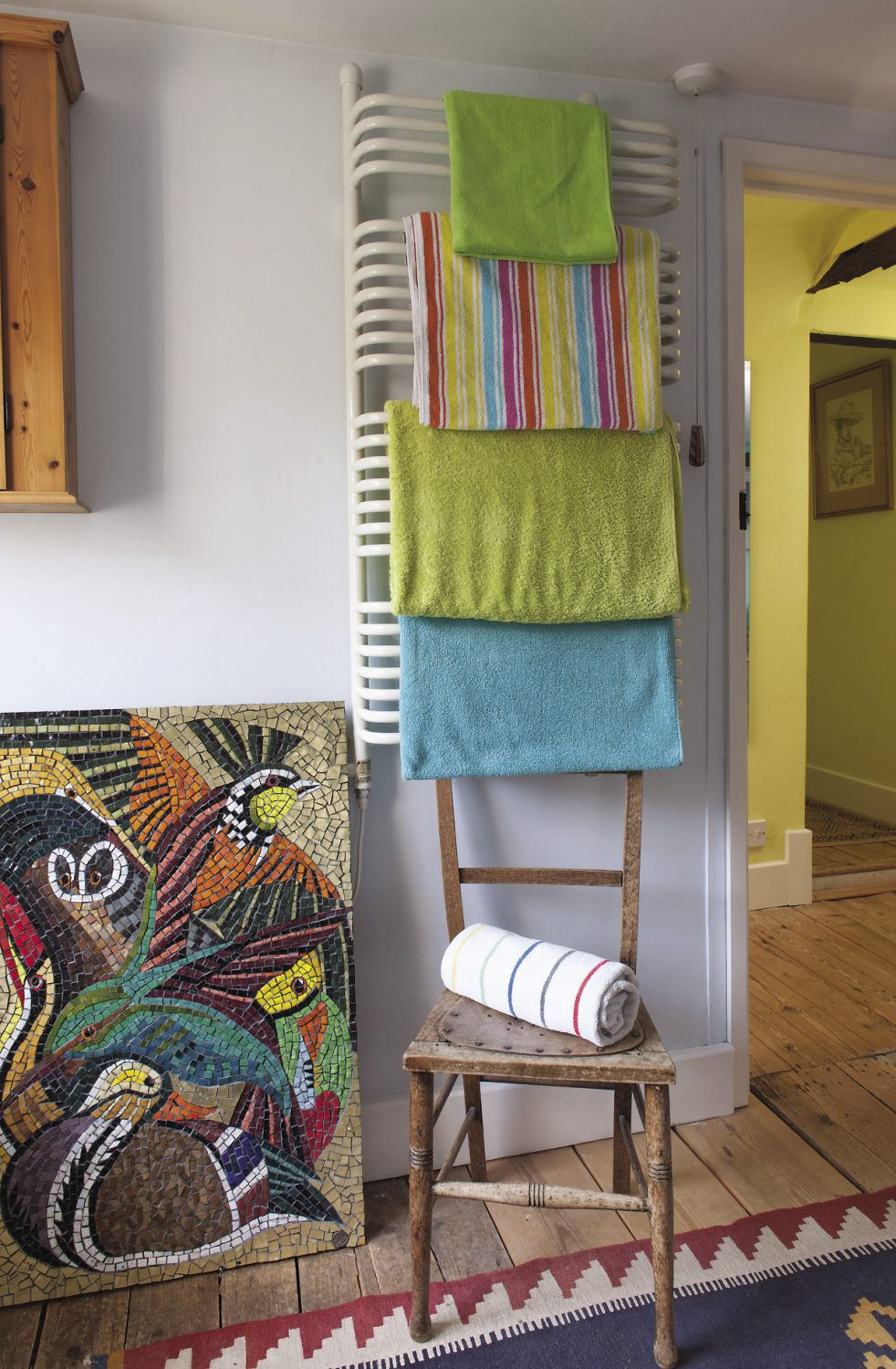 """Fiona teaches textile design so she has a great eye for colour, pattern and texture but the couple differ when it comes to their colour preferences. """"I really love cooler, watery greens and blues, whereas Oliver loves hot colours, so we argue a bit over those,"""" says Fiona"""