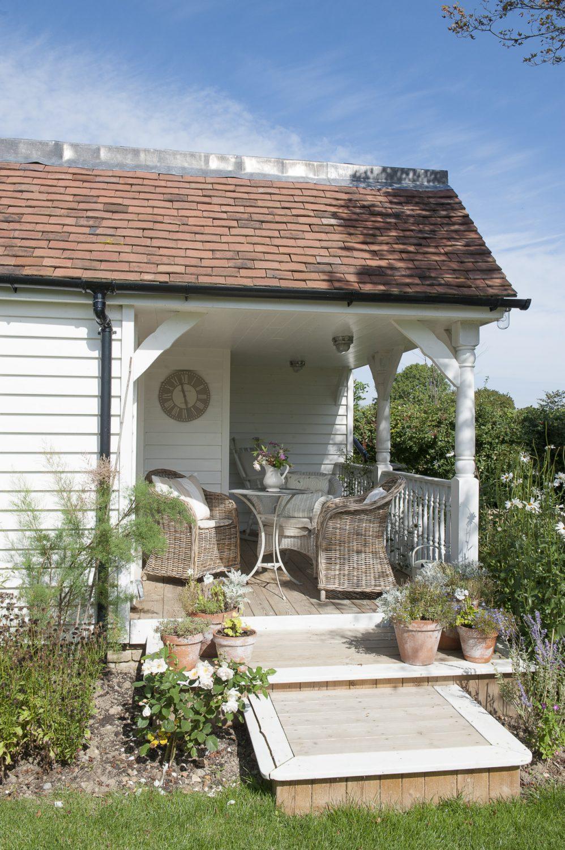 The welcoming veranda
