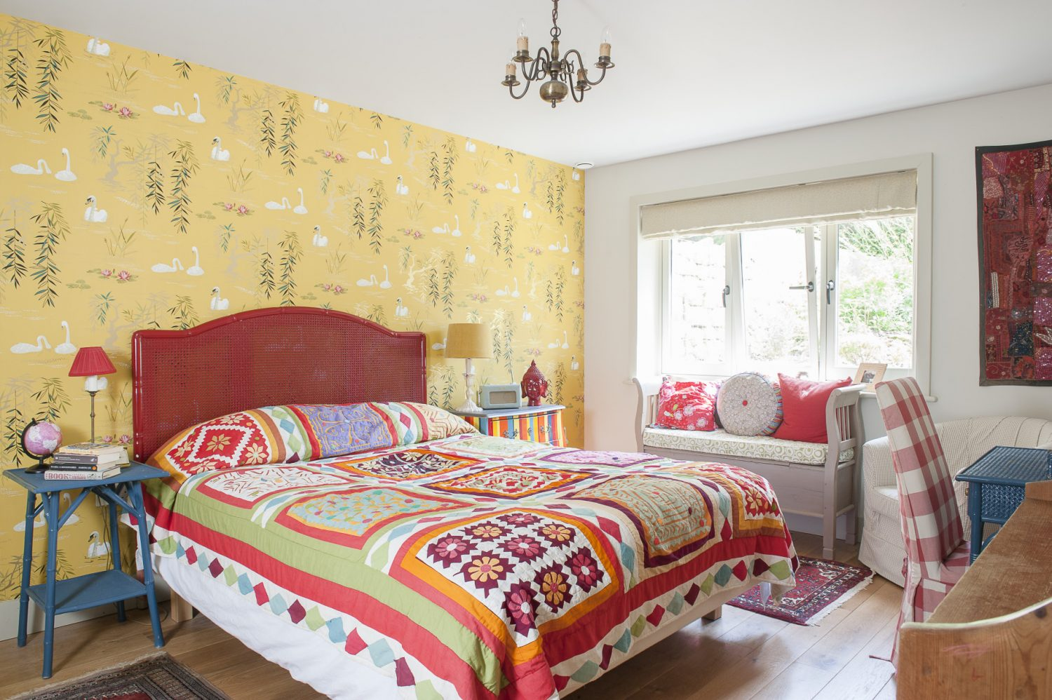Because the couple's new design had to stay within the footprint of the original house, a large basement was included to accommodate bedrooms for their teenage daughters and also a guestroom