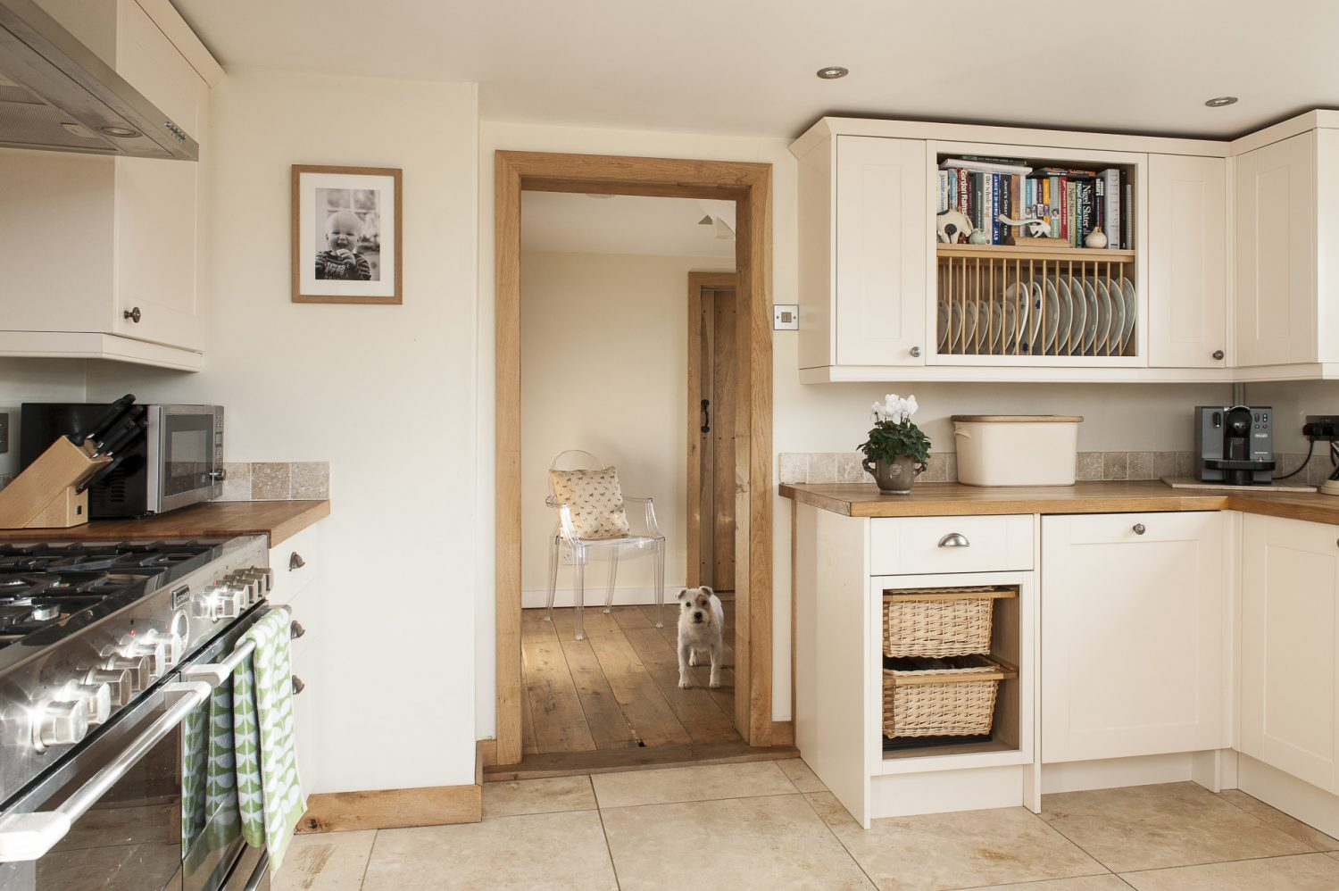 Holly and Chris sourced their kitchen from Howdens in Hawkhurst