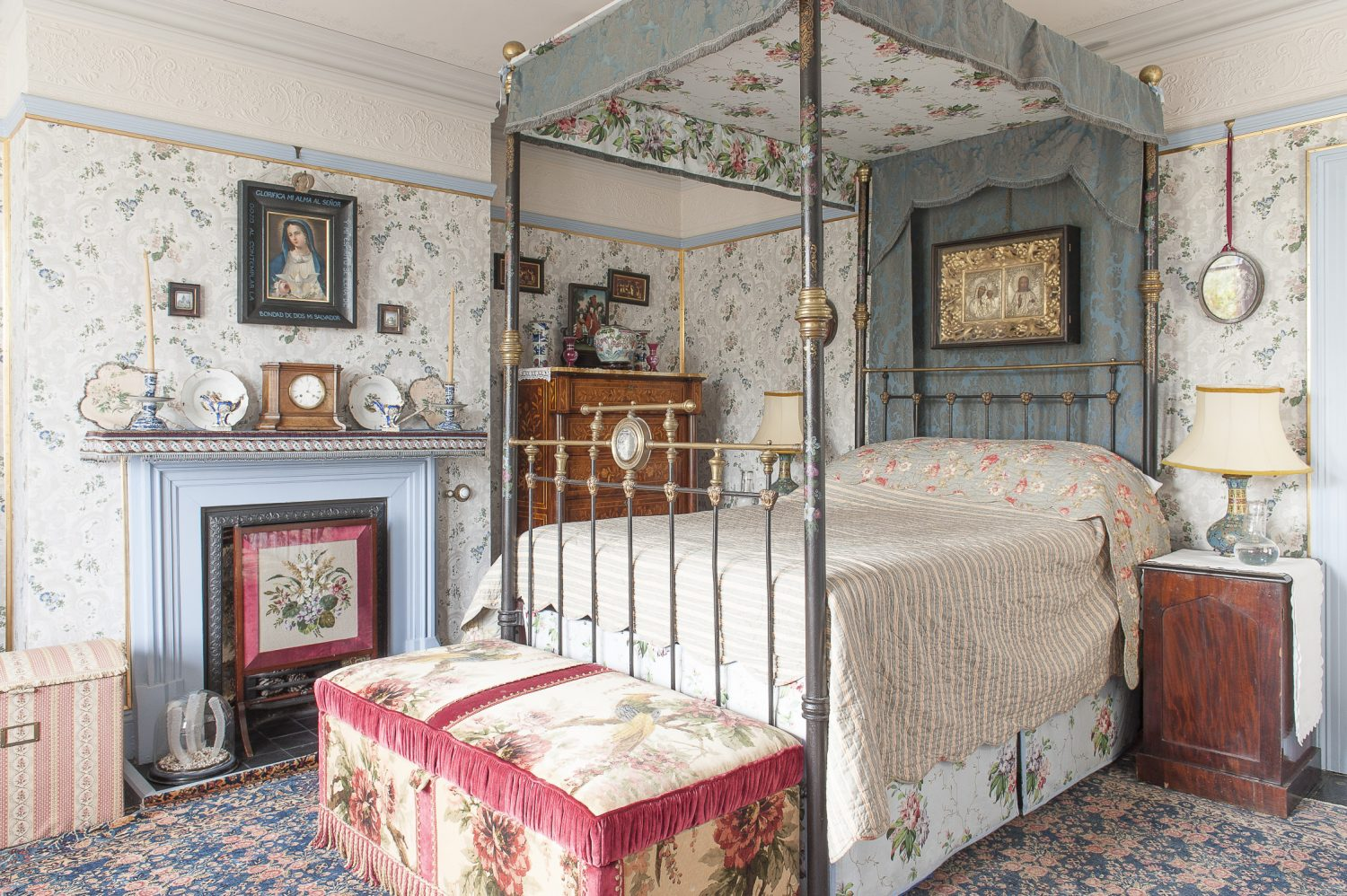 It's possible to enjoy the sea view whilst sitting on Mr Parry's four-poster bed