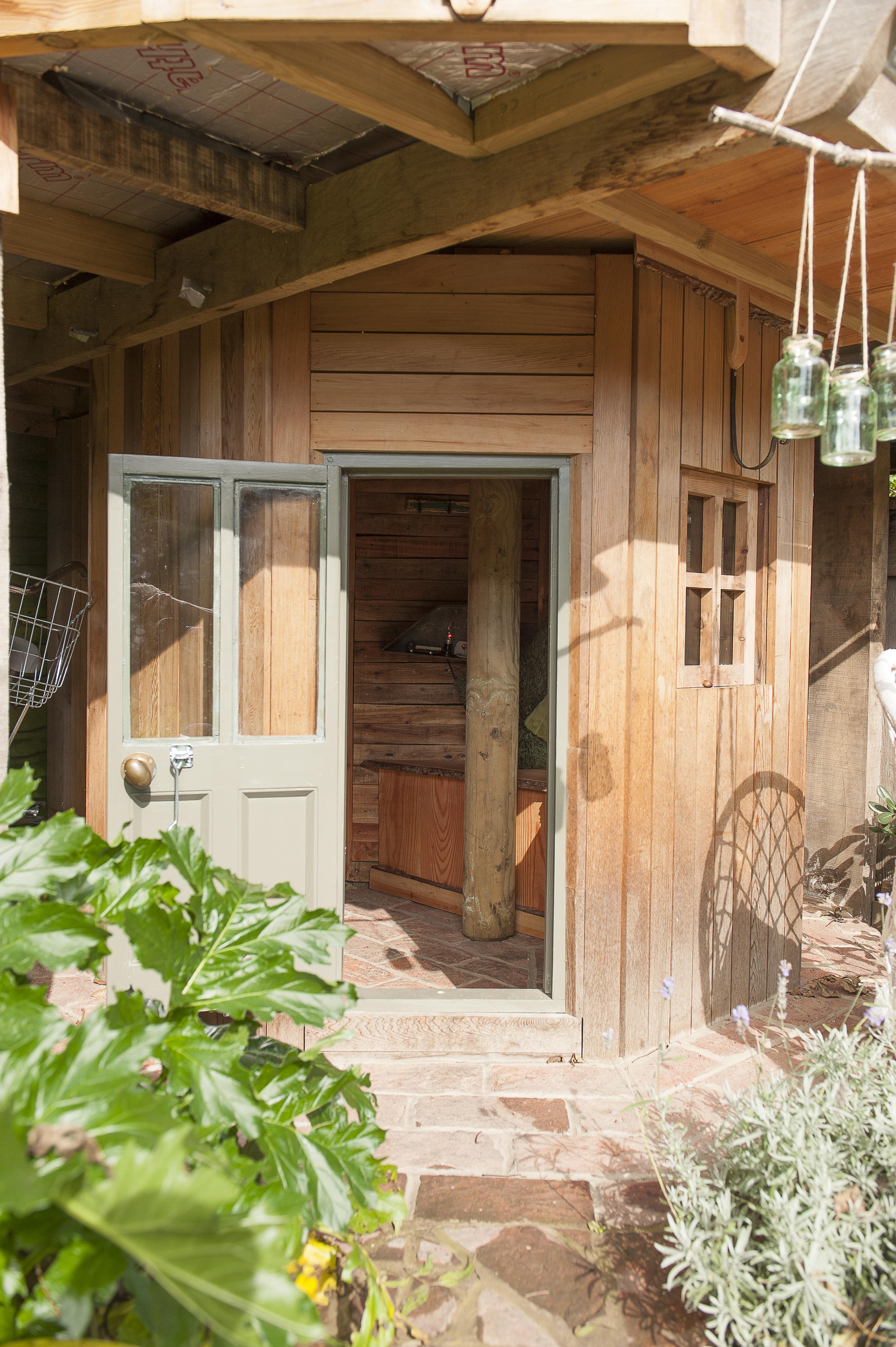Award-Winning Mushroom House – Priceless Magazines