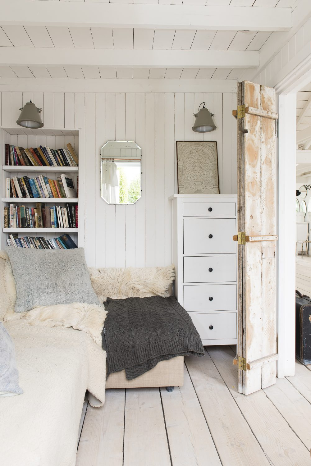The snug, which can also be used as a bedroom