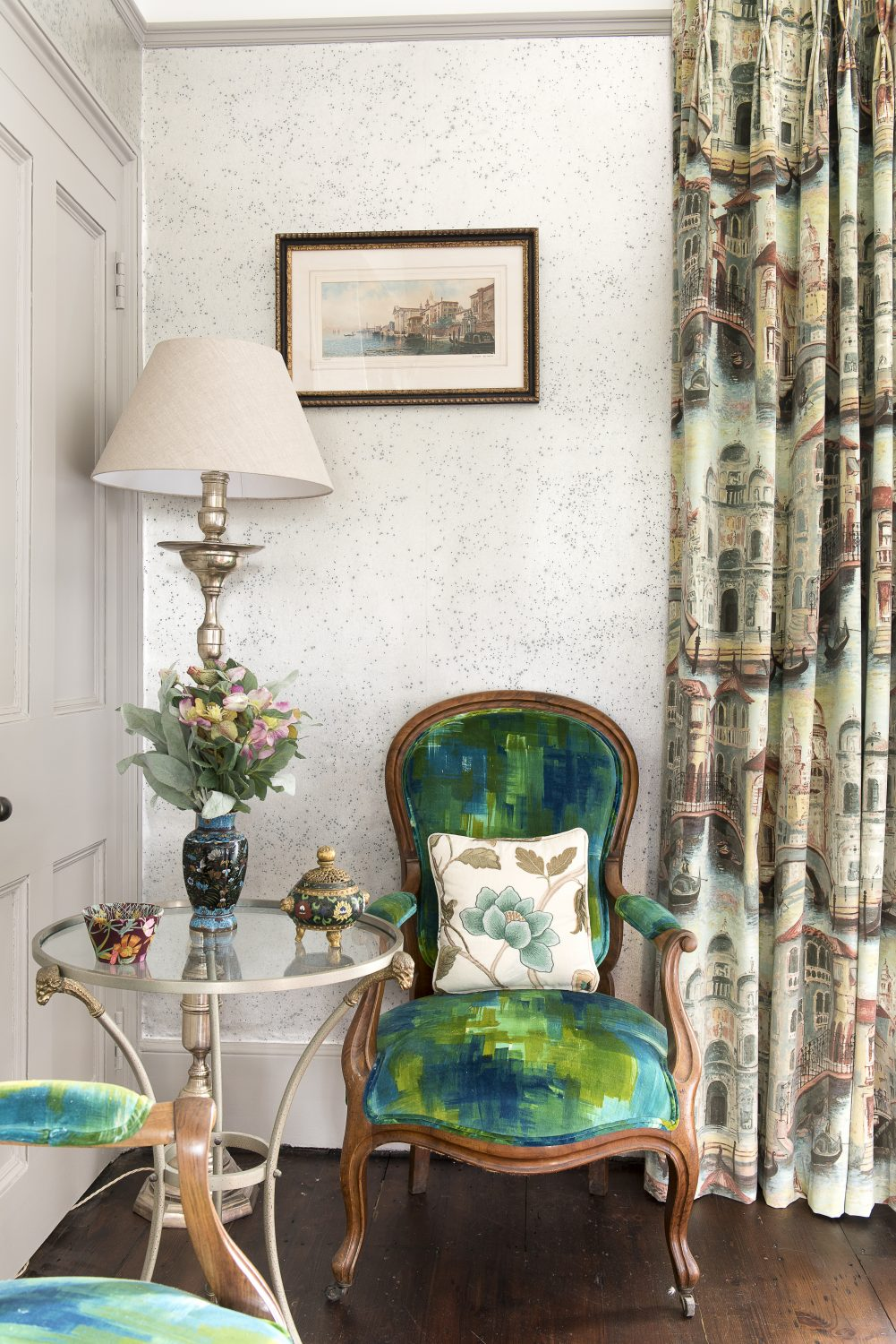 The Venice bedroom features Venetian mirrors and curtains featuring Venetian scenes from Zoffany