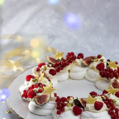 Christmas Day Sweet Centrepiece: Fruited Christmas Meringue Wreath